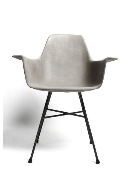 Armlehnstuhl aus Beton von Lyon Beton bei minimalinteria.de
