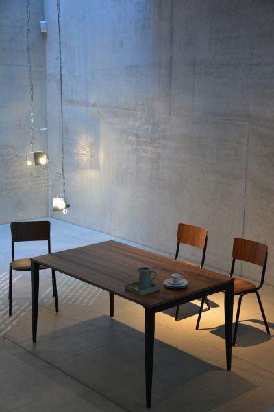 Ausziehbarer Tisch, Tischplatte Echtholzfurnier