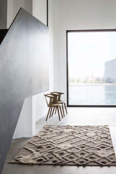 Handgeknüpfter Teppich aus Wolle.