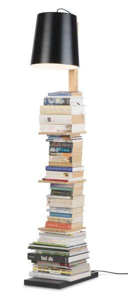 Stehlampe Cambrdige. Leselampe und Bücherregal
